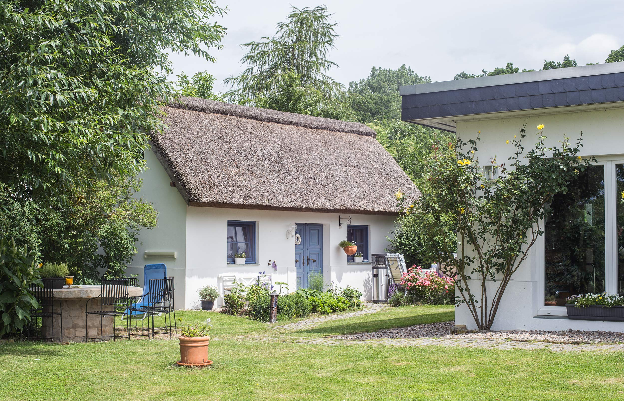 Gästehaus mit Reetdach