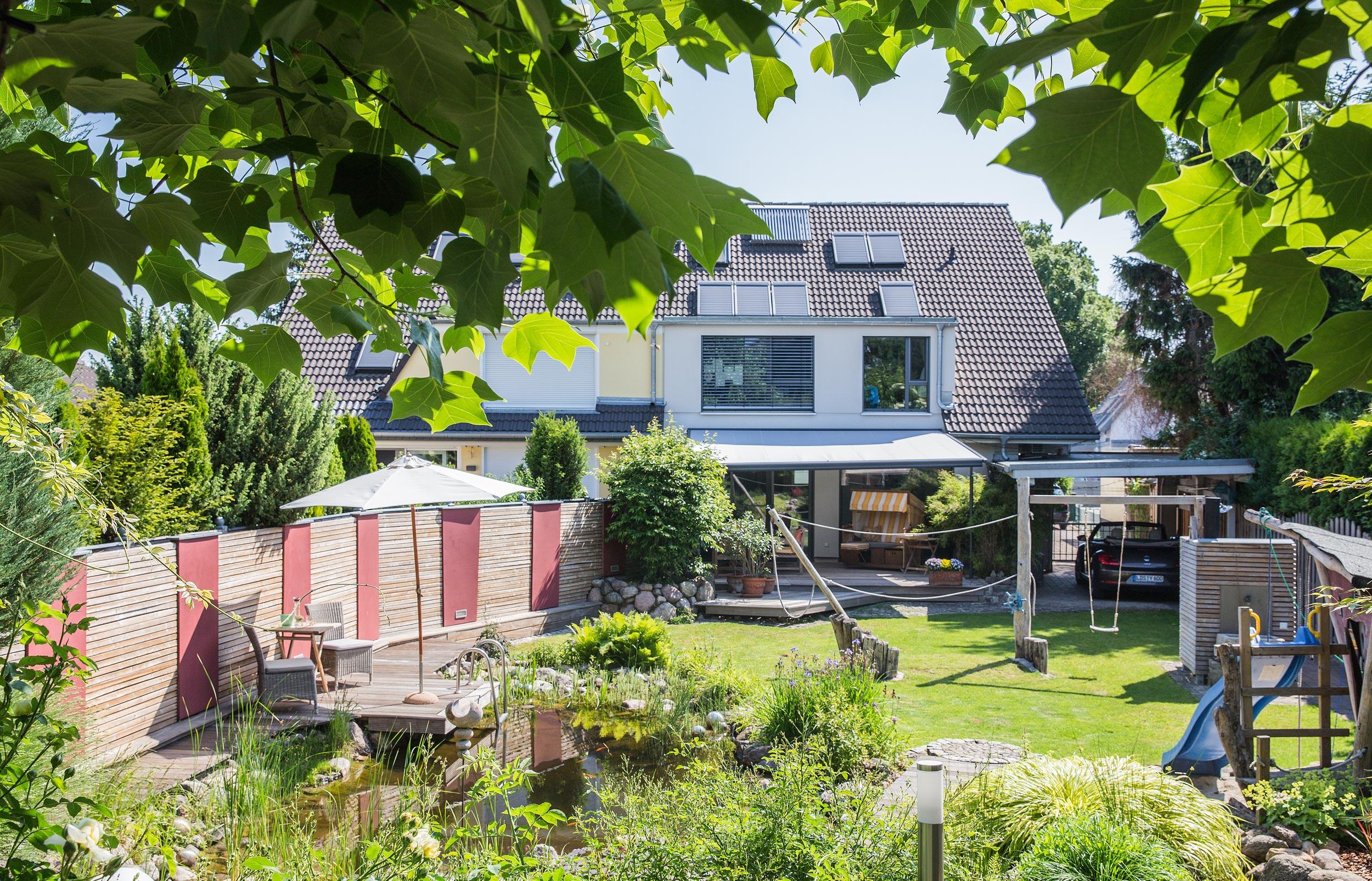 Gartenseitiger Blick auf das Haus