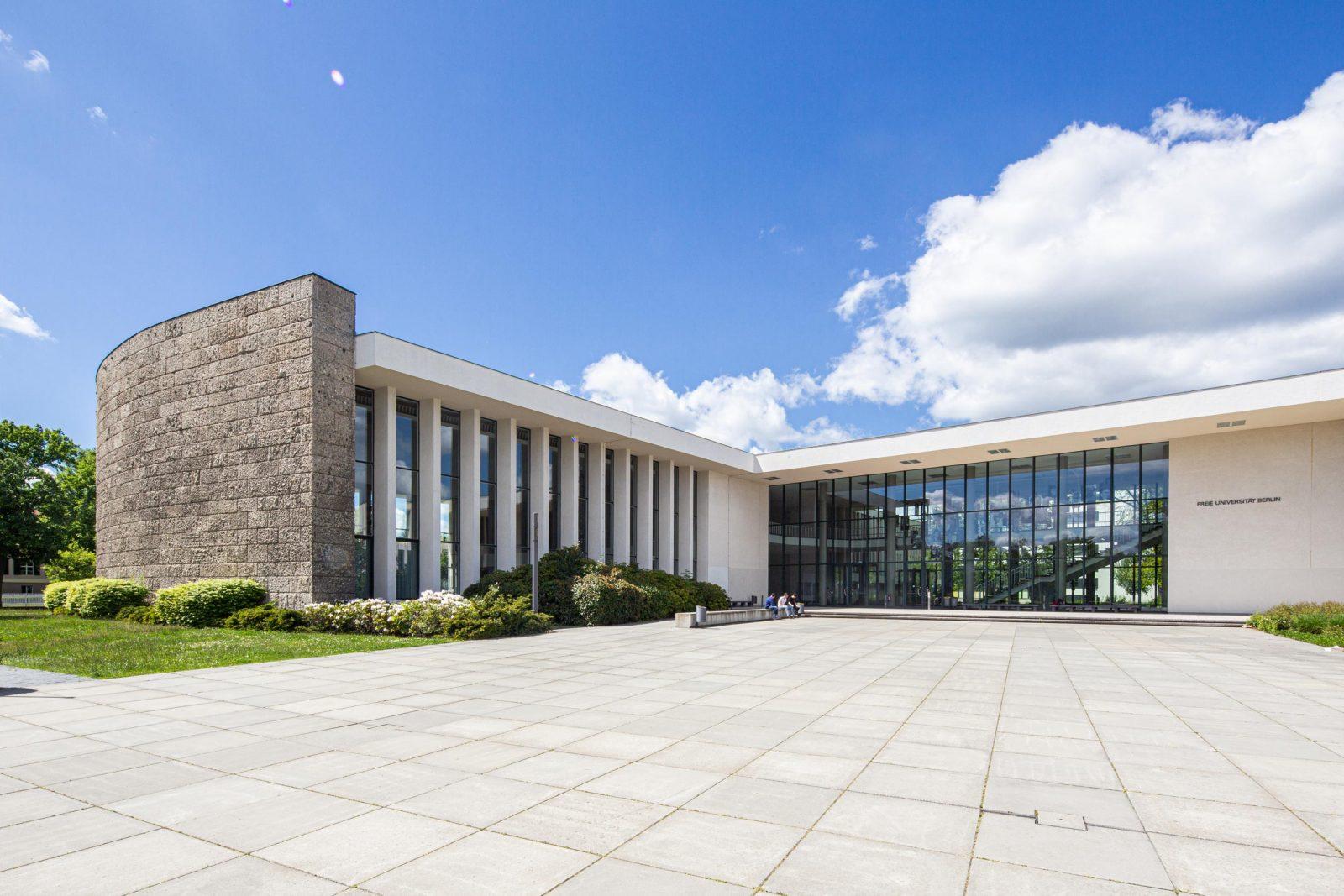 Bestechend schlichte und funktionale Architektur: Henry-Ford-Bau der Freien Universtität (Architekten Franz Heinrich Sobotka und Gustav Müller)