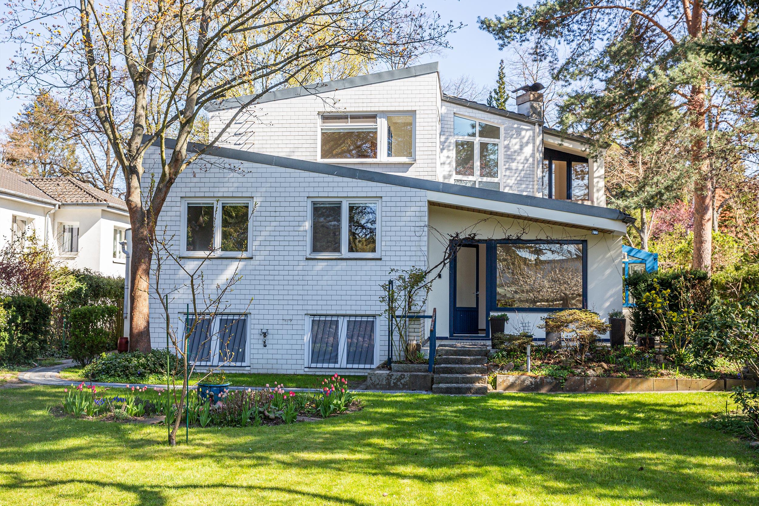 Ideal für Mehrgenerationen-Wohnen: das Haus verfügt über eine Einliegerwohnung